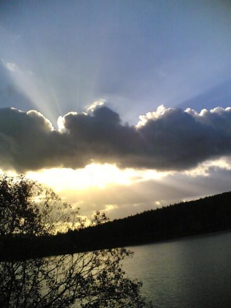Ein stimmungsvoller Tagesausklang an der Talsperre