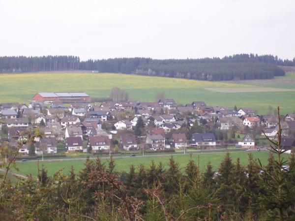 Fast am Ende der Wanderung - Blick auf Berghausen -