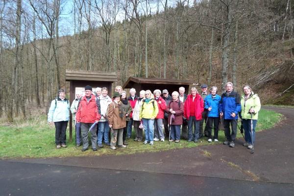 21 Wanderer traten die Reise zur Obernau-Talsperre an