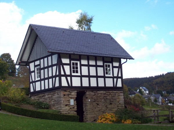 """Das kleine Waldarbeitermuseum, das es seit 2003 in der historischen """"Alten Mühle""""  gibt"""