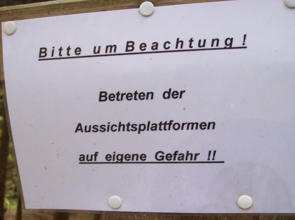 Hinweis vor dem Abstieg um Aquädukt