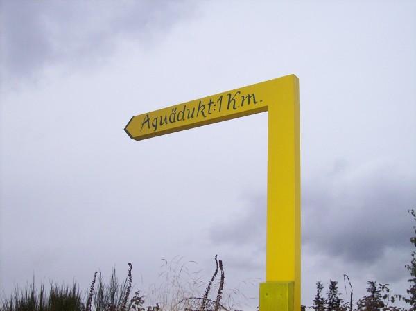 Auf dem Zubringer zum Rothaarsteig - Hinweis zum Aquädukt