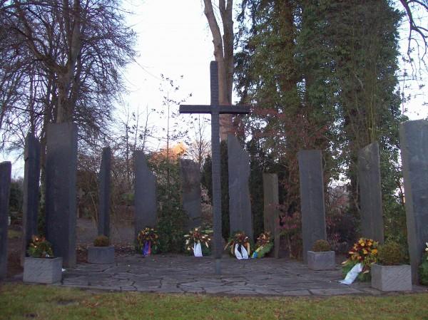 Denkmal aus dem Jahr 1961 von Wolfgang Kreutter, einem hiesigen Künstler