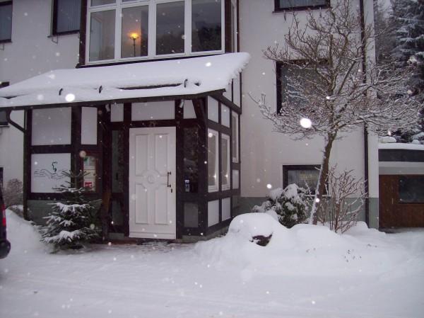 Hereinspaziert, wer durch den Schnee gestapft war, der durfte sich im Landhaus Wittgenstein auf eine stimmungsvoll-weihnachtliche Atmosphäre freuen