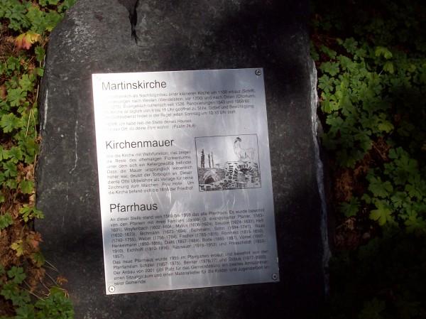 Informationstafel im Pfarrgarten