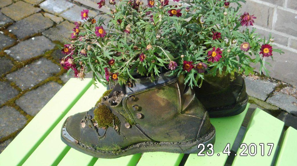 Derartiges Schuhwerk ist eher ungeeignet, aber schön anzuschauen