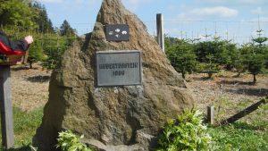 Das Hubertusdenkmal weist auf die Hege und Pflege der Waldbewohner hin