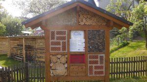Ein Insektenhotel für die Kleinstlebewesen