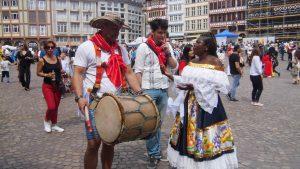 """Wie immer ist die Welt in Frankfurt zu Gast, an diesem Wochenende war es die """"Parade der Kulturen"""""""
